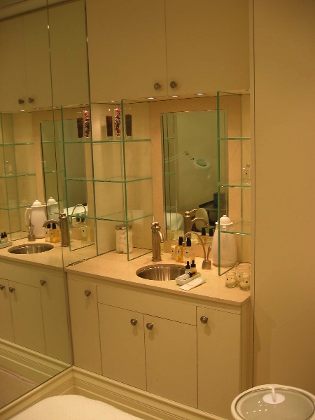 jo-malone-treatment-room-cabinetry