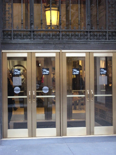 saks-fifth-ave-exterior-doors-vestibules-01