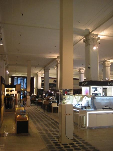 saks-fifth-ave-main-floor-displays